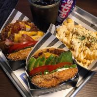 在地人力推-漢南洞DOWNTOWNER手工漢堡店,連韓國人都排隊等待的超級美味。